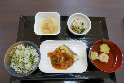 食堂で召し上がれるお食事の一例です