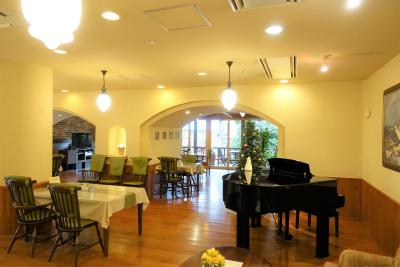 1階のレストラン兼多目的ホールです。お食事の他、イベント等を開催します。