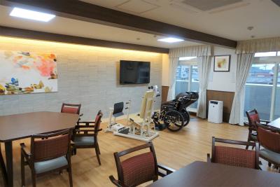 各階に食堂があり、リハビリやレクリエーションも行われます。