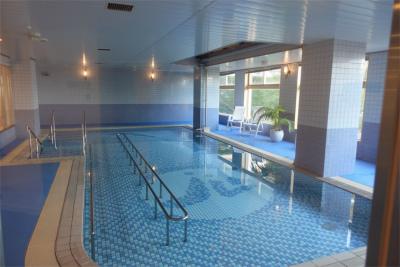 温水プールでは、リハビリだけでなく気分転換にもぴったりです。
