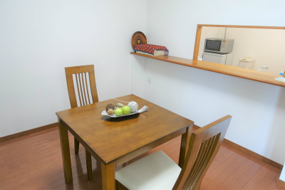 ダイニングテーブルも置ける十分な広さがあります。