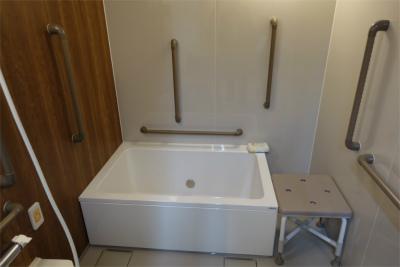 各階には共用のお風呂もございます。