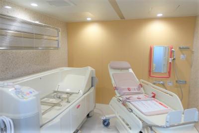 1階には機械浴もあり、お身体に不安のある方も安心です。