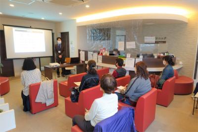 豊中市のクリニックで「安心できる高齢者施設の選び方」の講演会をしました!