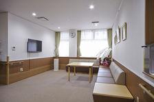 各階には談話室がございます。