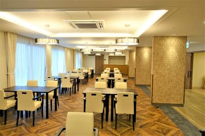 1階の食堂です。館内調理の温かいお食事を召し上がれます。