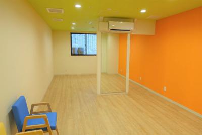 1階のウェルネスルームです。理学療法士さんによるリハビリの指導を受けられます。